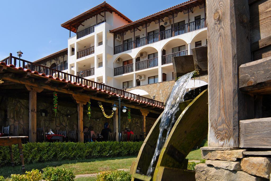 Туры в отель Dinevi Resort Third Line Свети-Влас Болгария
