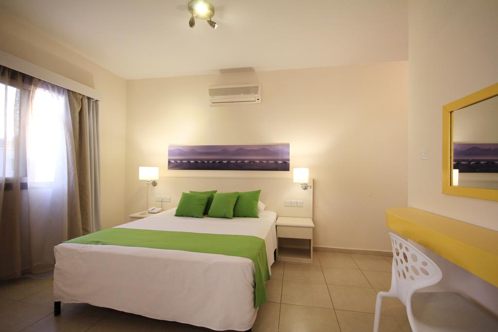 Отзывы об отеле Sea Cleopatra Napa Hotel (ex. Smartline Cleopatra Annex Apartments)