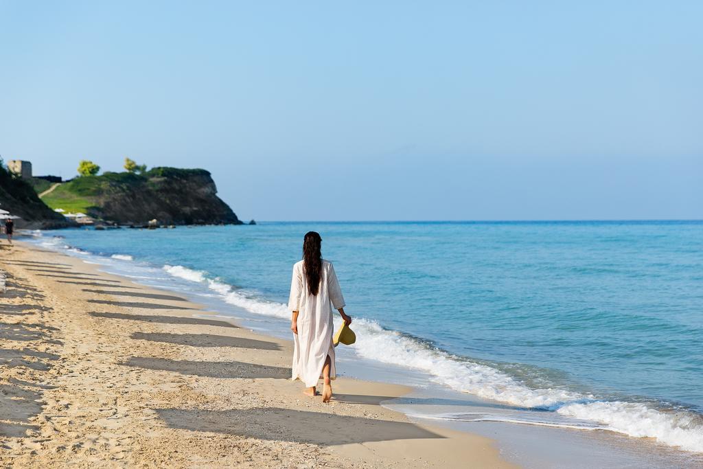 Готель, Sani Beach