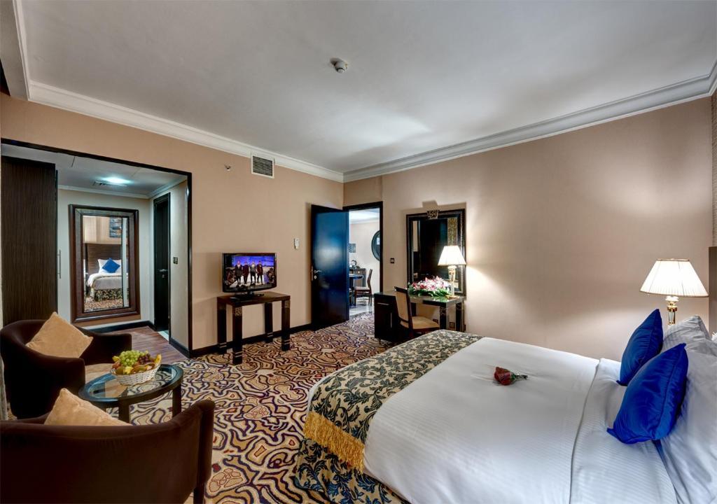 Горящие туры в отель Sharjah Palace Hotel