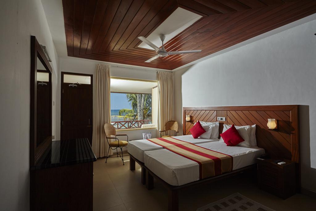 Хиккадува, Coral Sands, 3