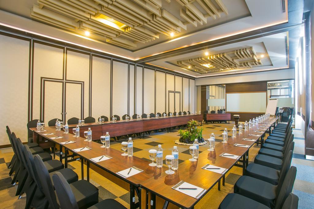 Горящие туры в отель The Lerina Hotel Nusa Dua Нуса-Дуа
