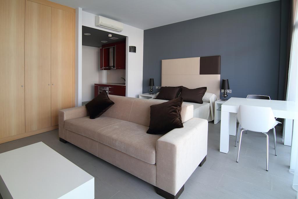 Відгуки про готелі Four Elements Suites