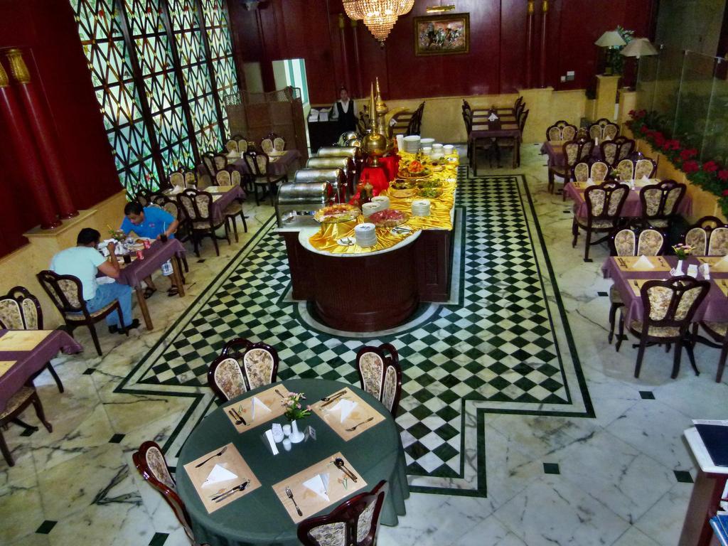 Горящие туры в отель Mayfair Hotel Дубай (город)
