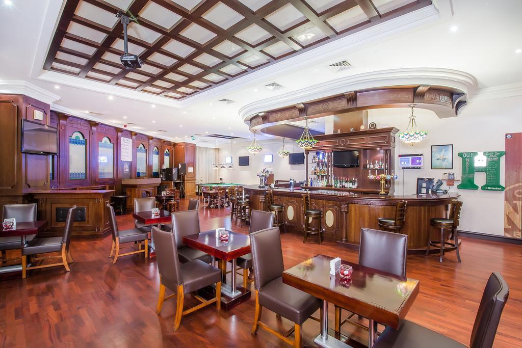 Holiday Inn Bur Dubai Embassy District, фото