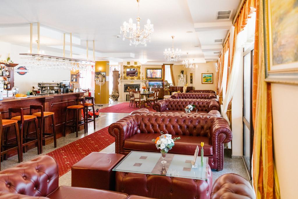 Туры в отель Elegant Lux Банско Болгария
