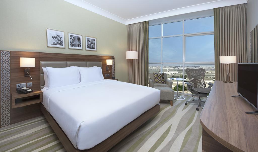 Отзывы туристов Hilton Garden Inn Dubai Al Muraqabat