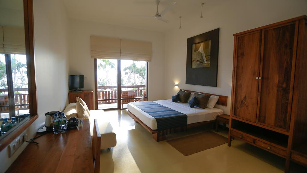 Индурува Pandanus Beach Resort цены