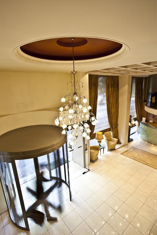 Туры в отель Golden City Афины
