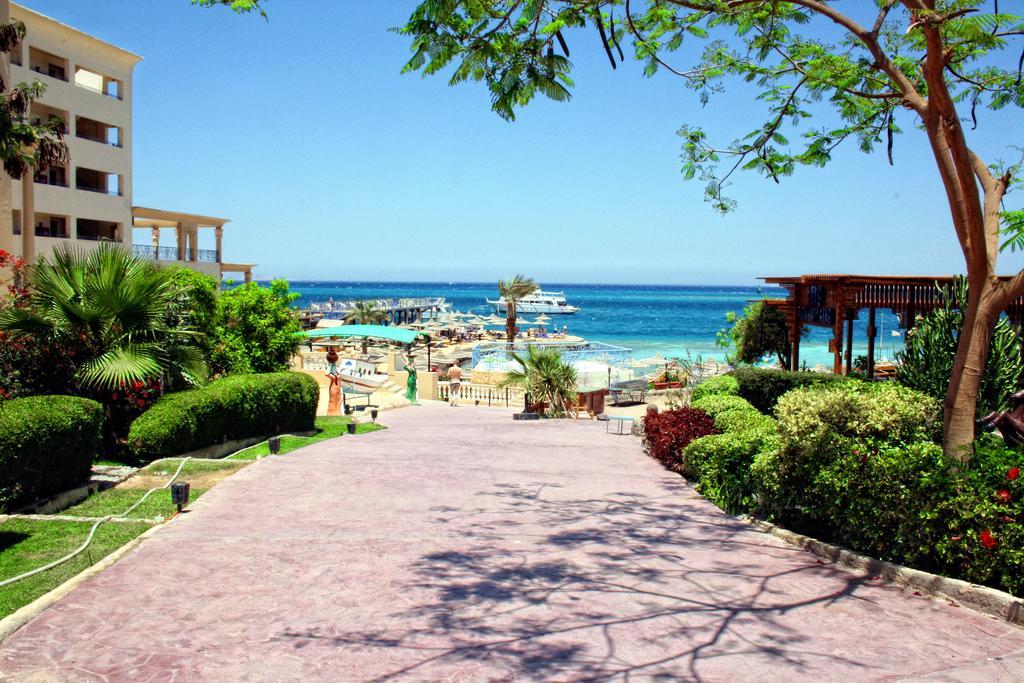 Отдых в отеле King Tut Aqua Park Beach Resort