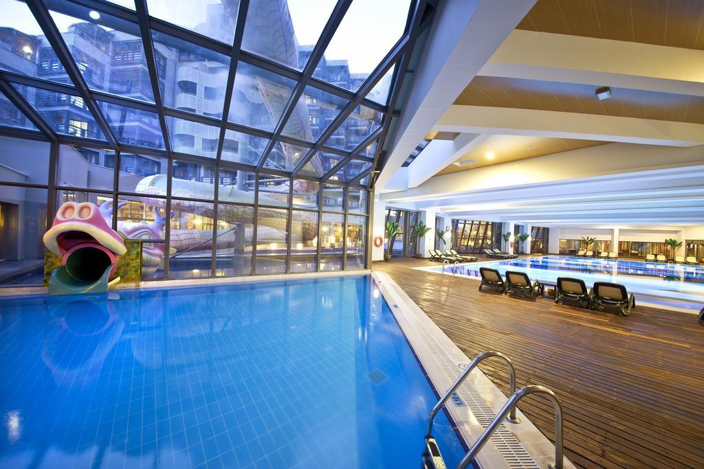 Тури в готель Limak Lara De Luxe Hotel & Resort