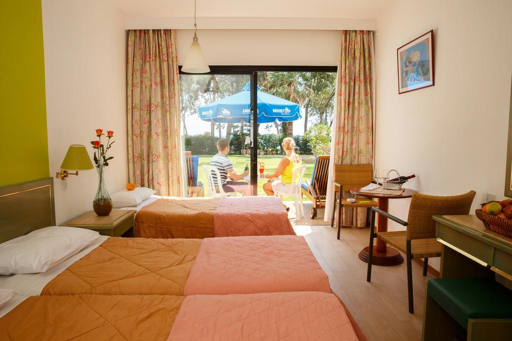 Отдых в отеле Lobelia Park Beach Annex