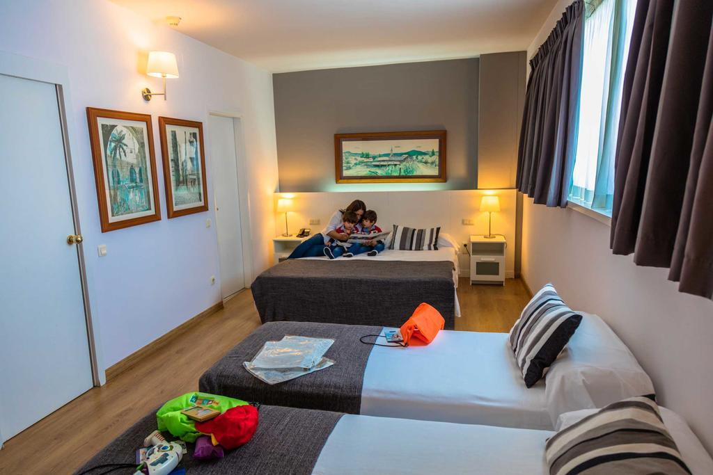 Барселона Aparthotel Atenea цены