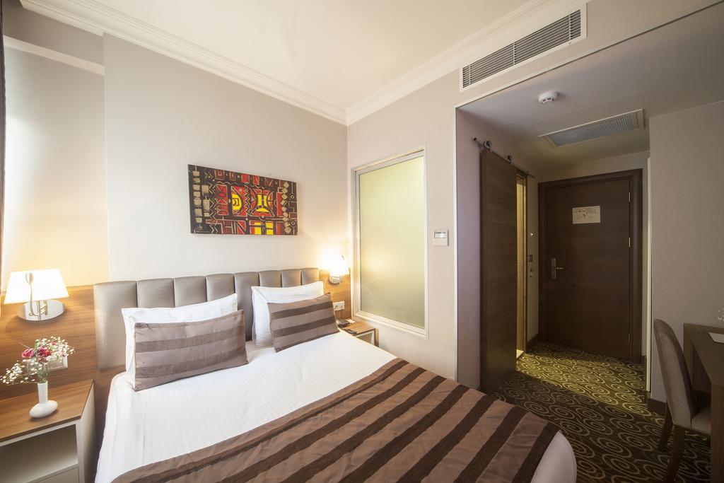 Отдых в отеле Delta Hotel
