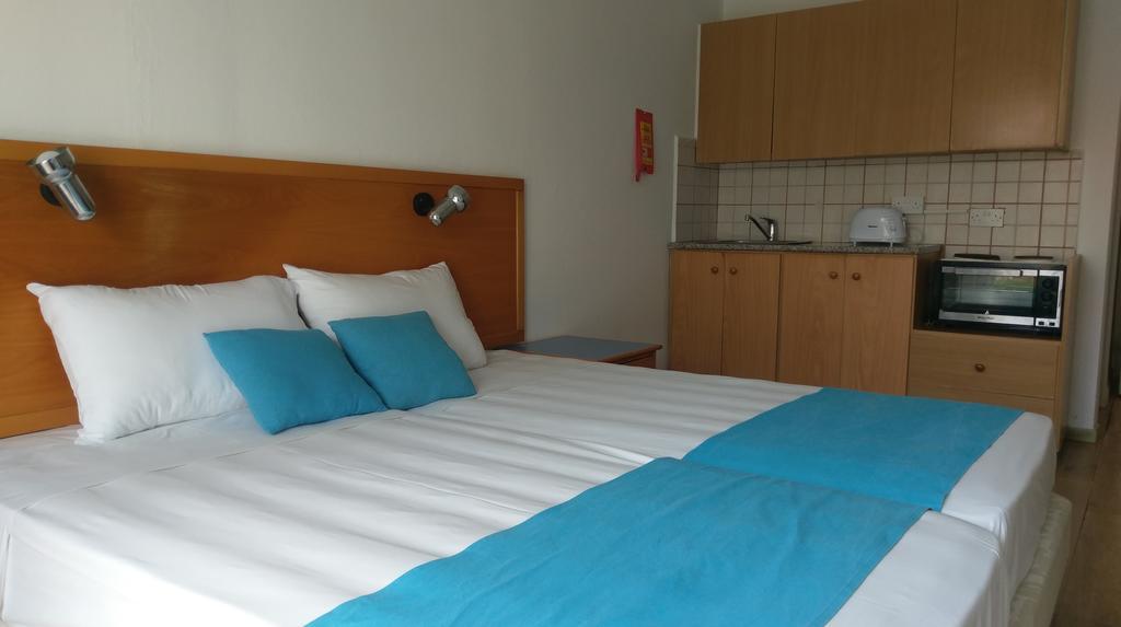 Daphne Hotel Apartments, Кипр, Пафос