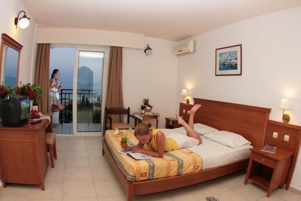 Горящие туры в отель Semiramis Village Hotel Ираклион