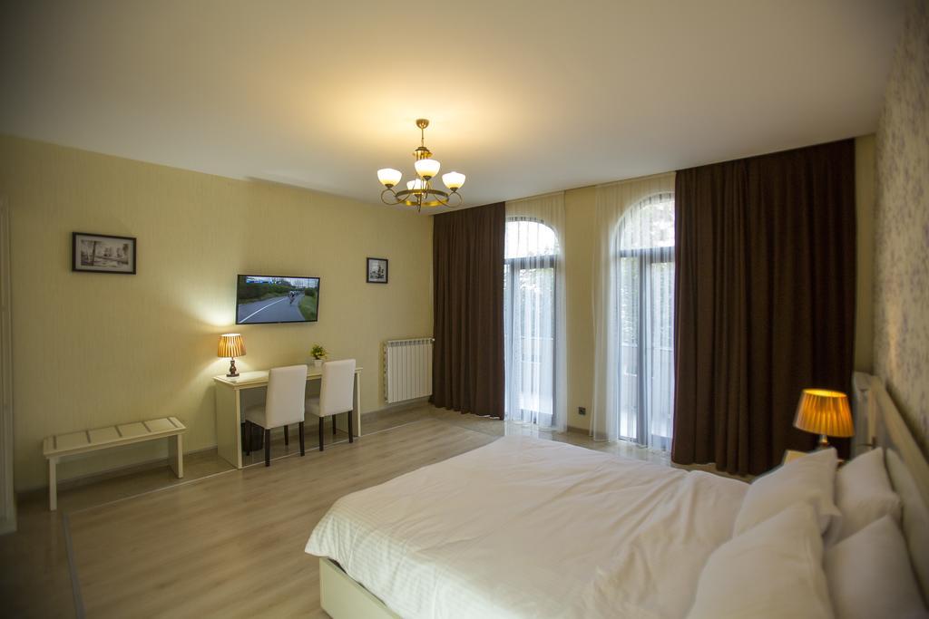 Фото готелю Ire Palace
