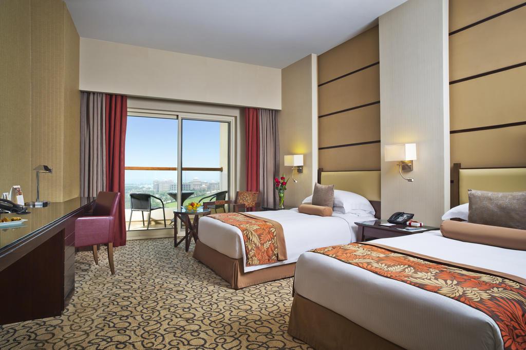 Відпочинок в готелі Khalidiya Palace By Rotana