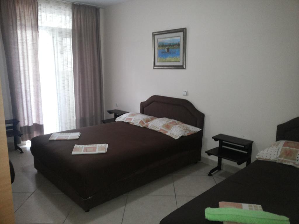 Горящие туры в отель Lara Бар Черногория