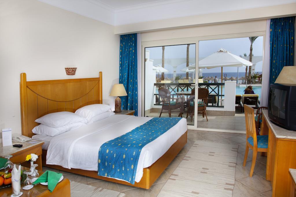 Горящие туры в отель Coral Beach Rotana Resort Montazah Шарм-эль-Шейх