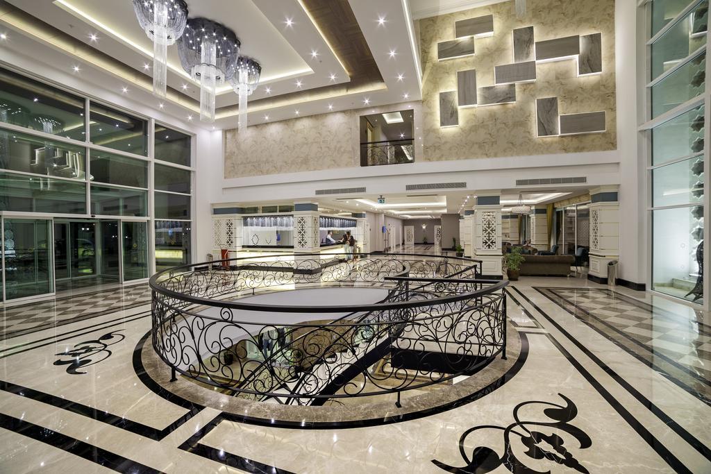 Karmir Resort & Spa, Кемер