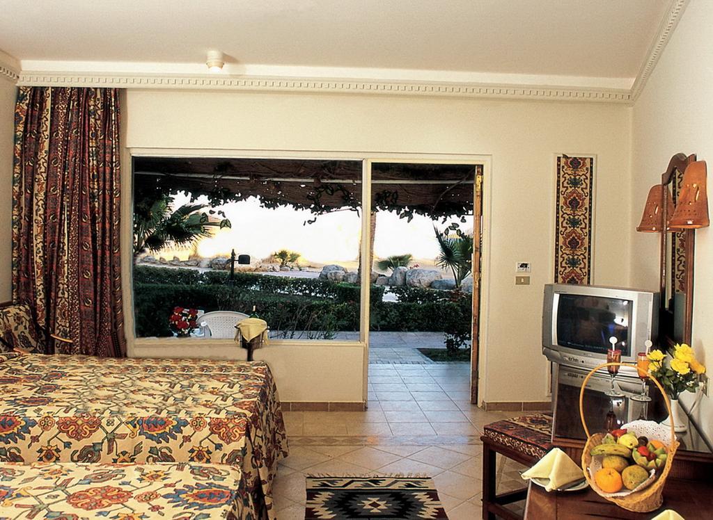 Shams Safaga Beach Resort, Хургада