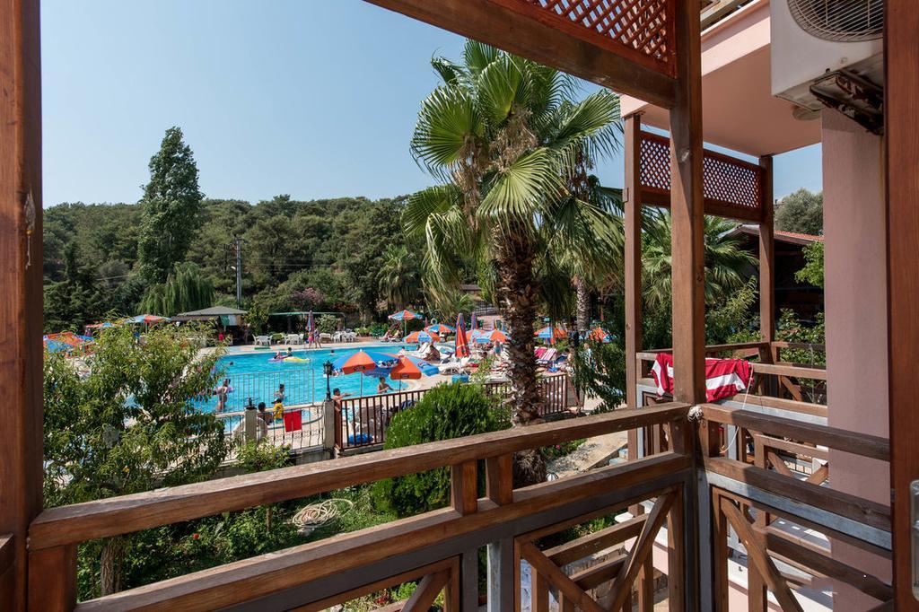 Гарячі тури в готель Club Pink Palace Фетхіє