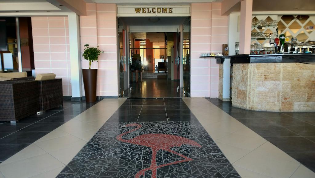 Туры в отель Flamingo Beach Hotel
