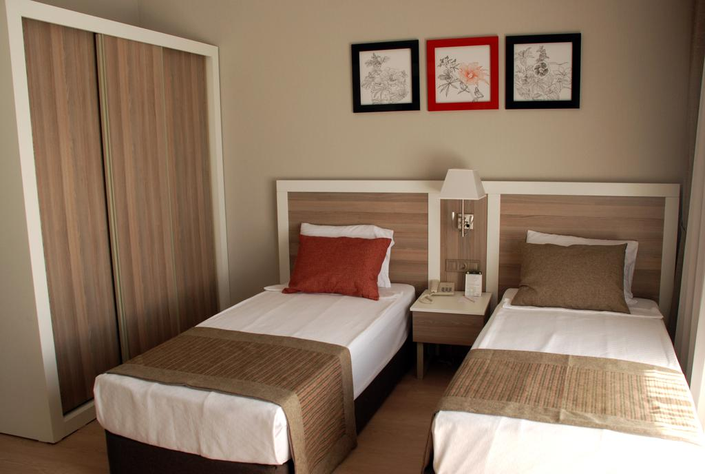 Port River Hotel & Spa, фотографії