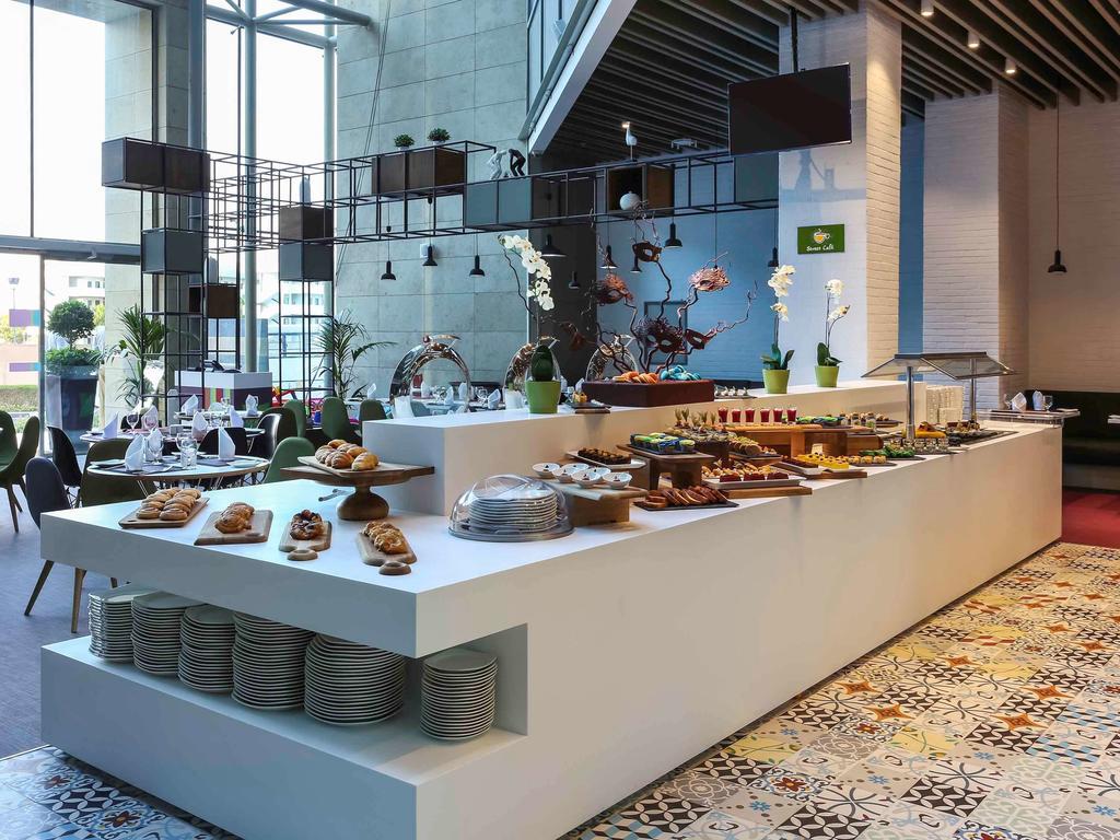 Дубай (пляжные отели), Ibis Styles Hotel Jumeira Dubai, 3