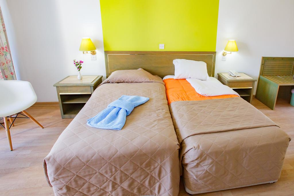 Отдых в отеле Park Beach Hotel Лимассол