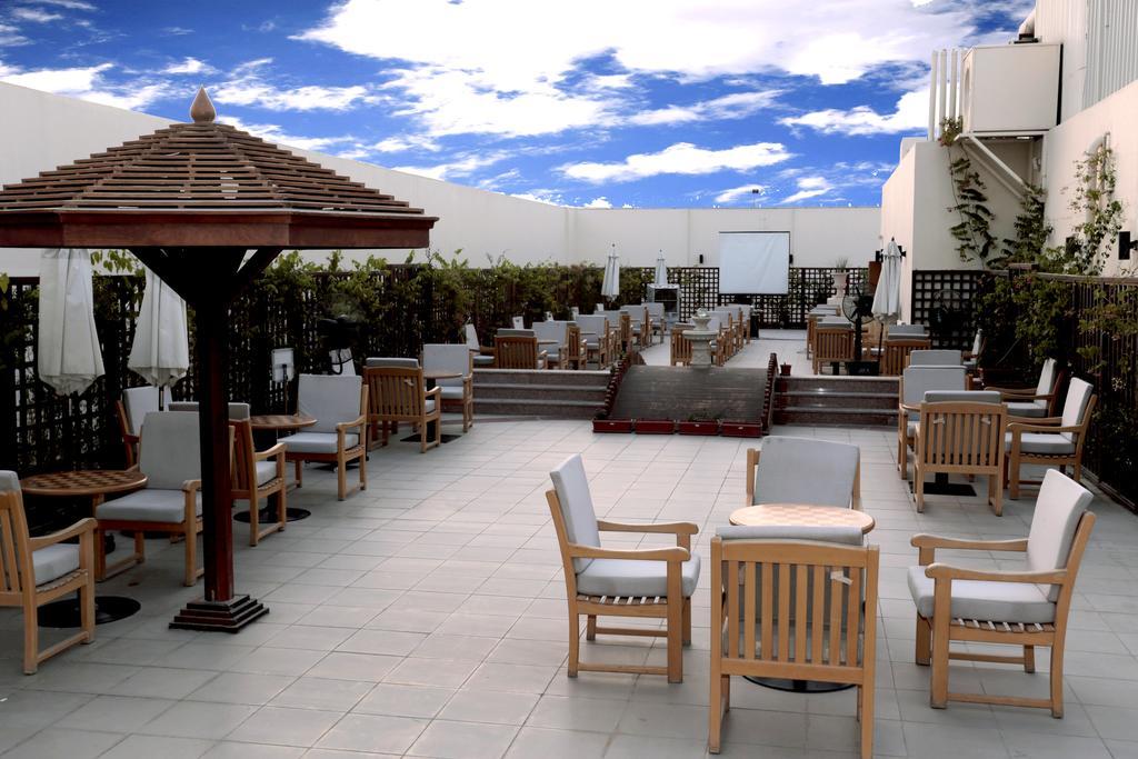 Отдых в отеле Cassels Al Barsha Hotel