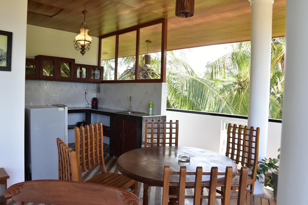 Sea View Deepal Villa, Шри-Ланка