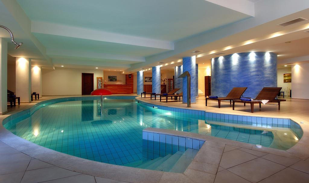 Ціни в готелі Blue Marine Resort & Spa