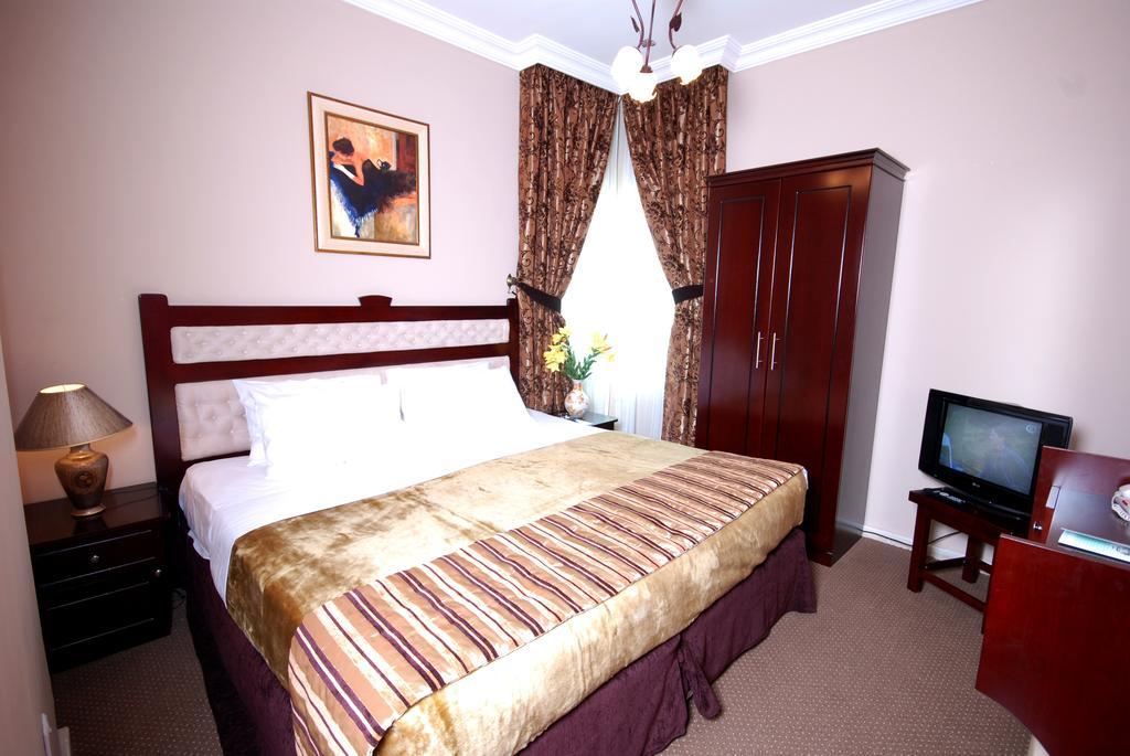 Отдых в отеле Al Bustan Hotel Sharjah Шарджа
