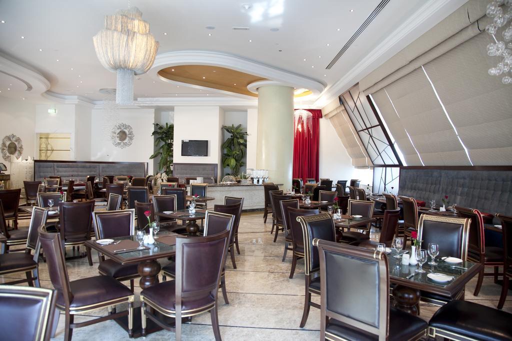 Ціни в готелі Grand Excelsior Hotel