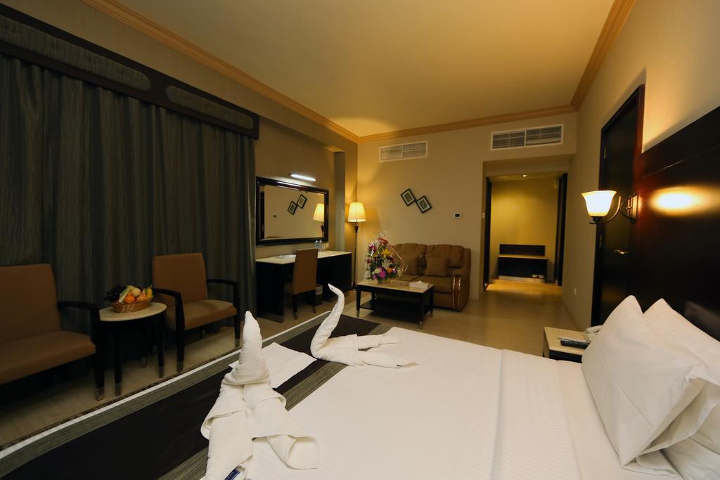 Цены в отеле Signature Inn Hotel Al Riqqa