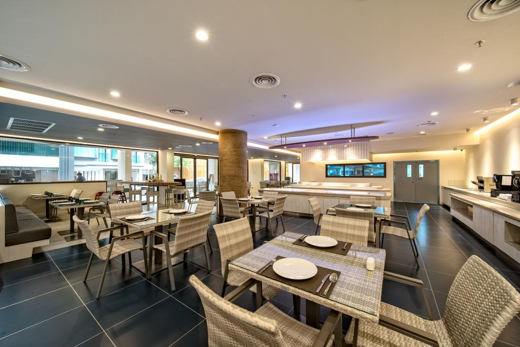 Фото отеля Surf Hotel Patong (Hotel Clover Patong)