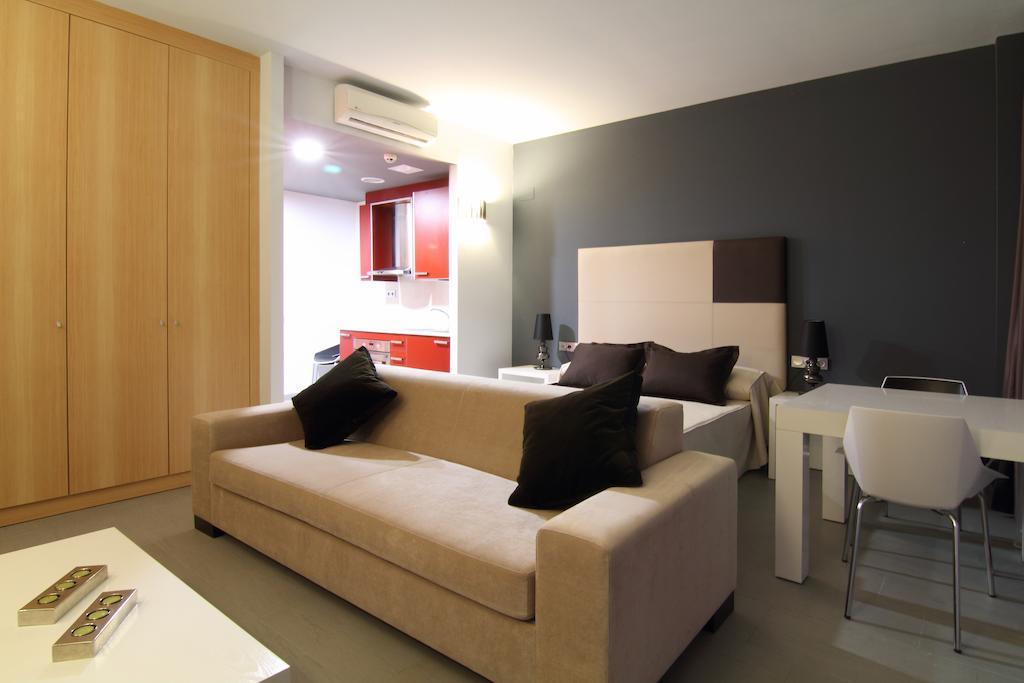 Відпочинок в готелі Four Elements Suites