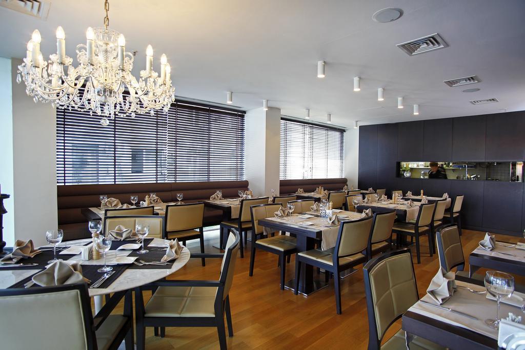 Цены в отеле Bentley By Molton Hotels