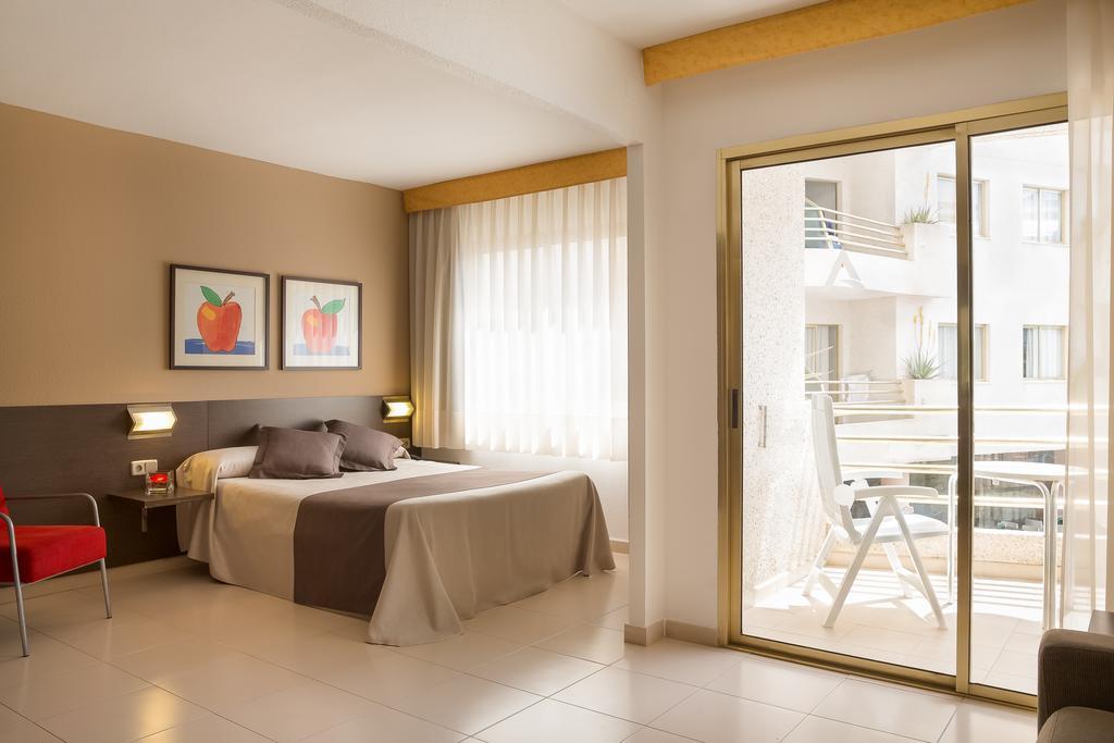 Коста-де-Барселона-Маресме Aqua Hotel Montagut