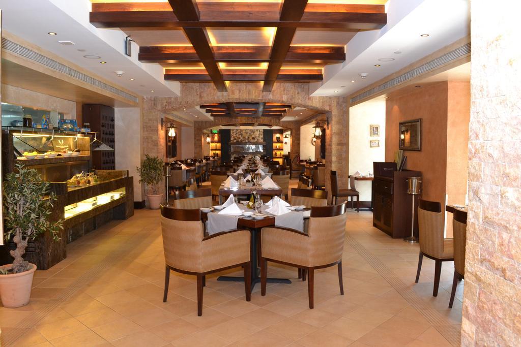 Тури в готель Crowne Plaza Abu Dhabi Абу Дабі ОАЕ