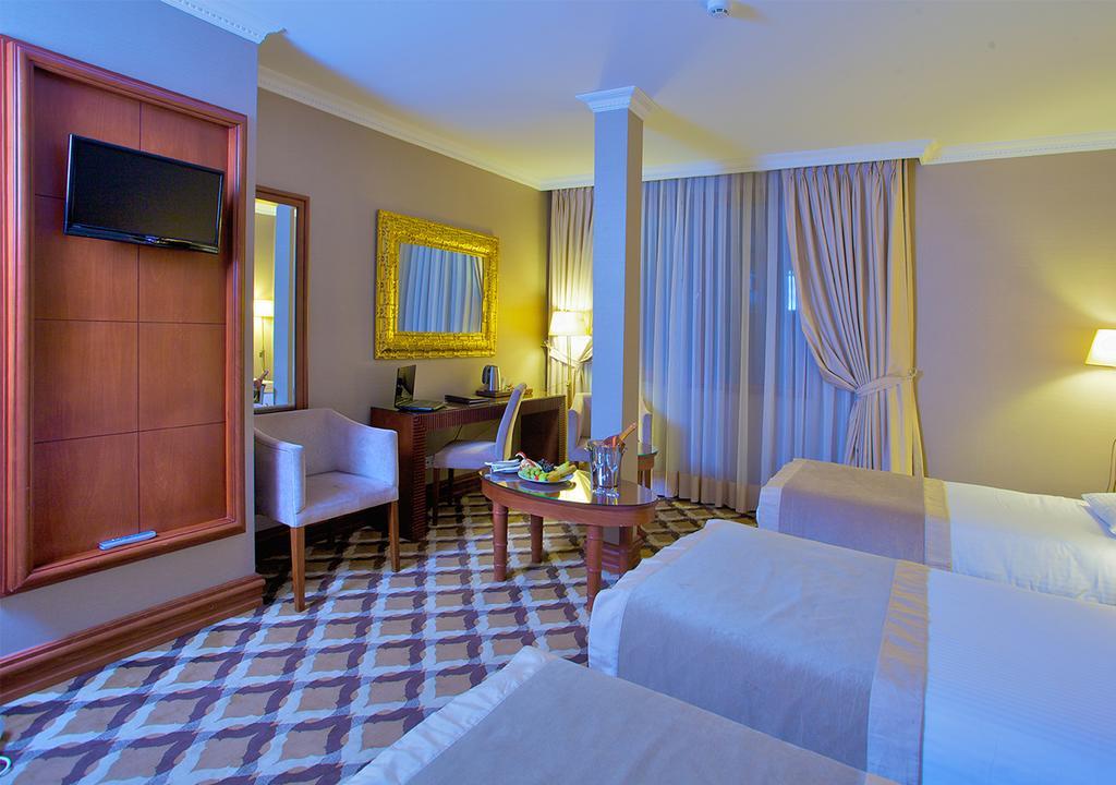 Фото отеля Tilia Hotel