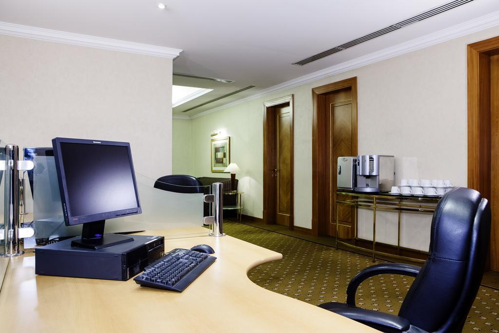 Фото готелю Hilton Sharjah Hotel