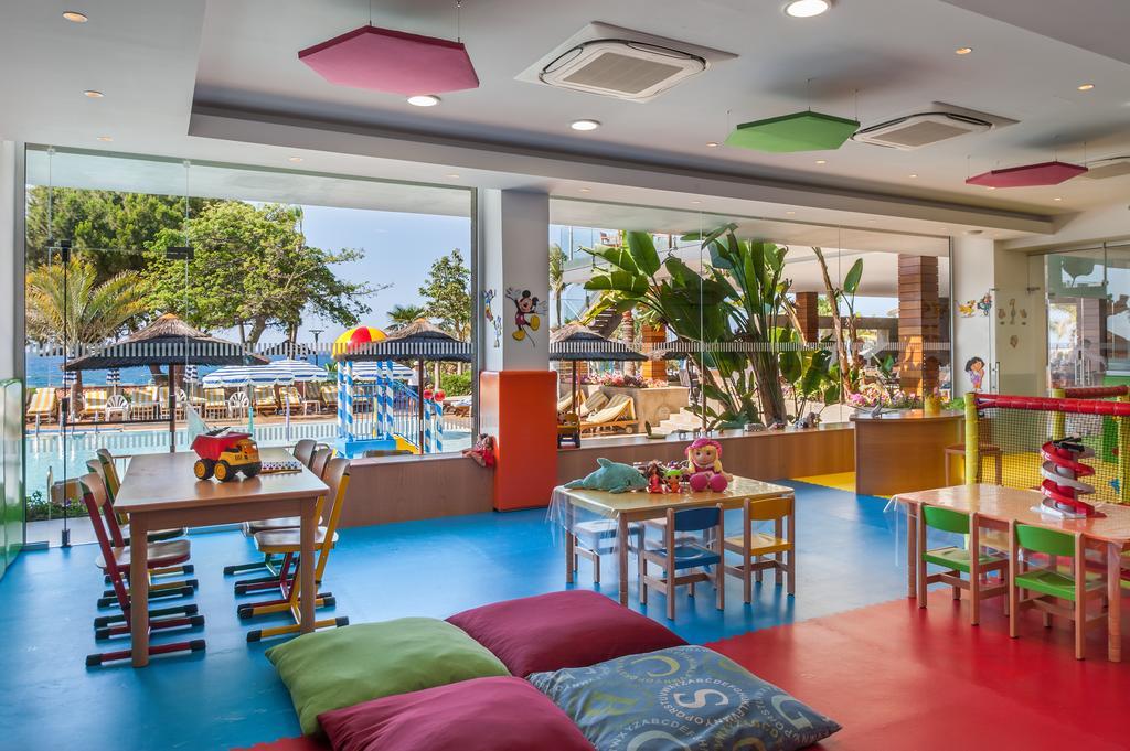 Amathus Beach Hotel, Лимассол цены