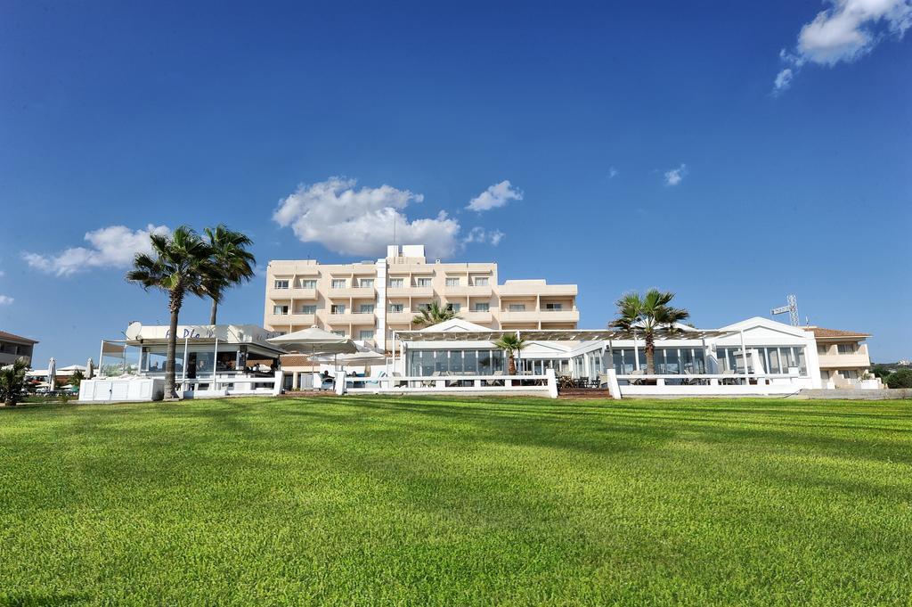 Отзывы об отеле Pierre Anne Beach Hotel