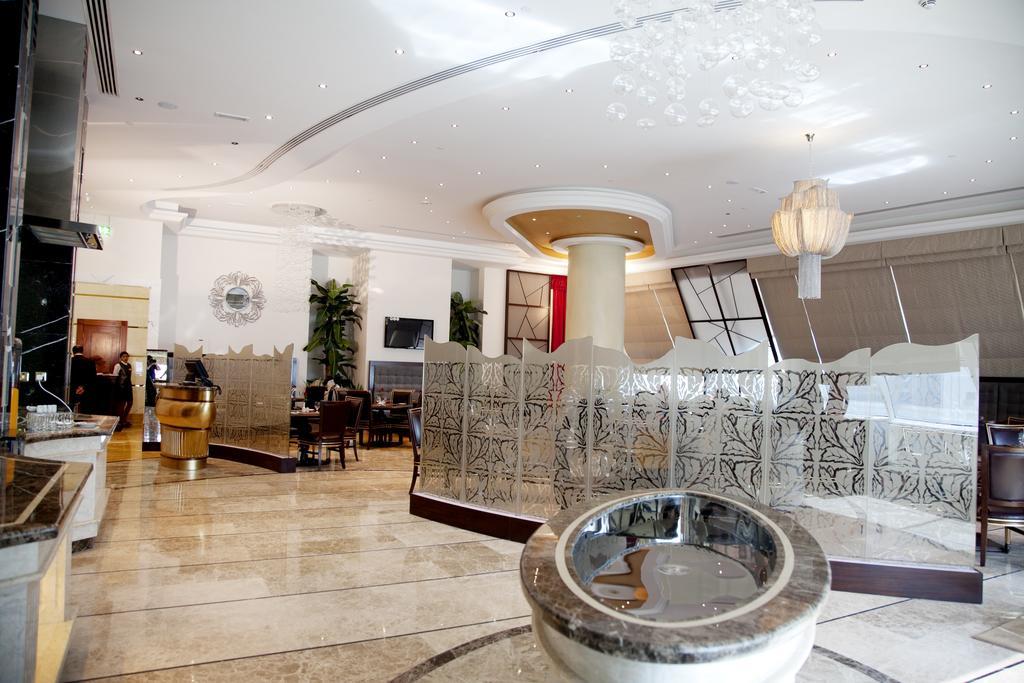 ОАЕ Grand Excelsior Hotel