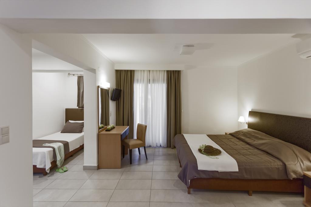 Lagomandra Beach Hotel, Греція