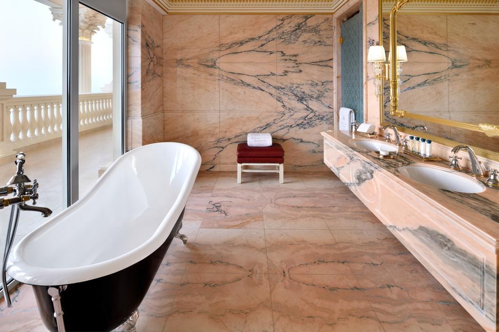 Emerald Palace Kempinski Dubai ціна