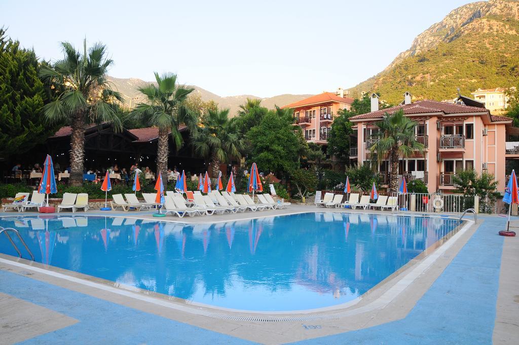 Тури в готель Club Pink Palace Фетхіє Туреччина